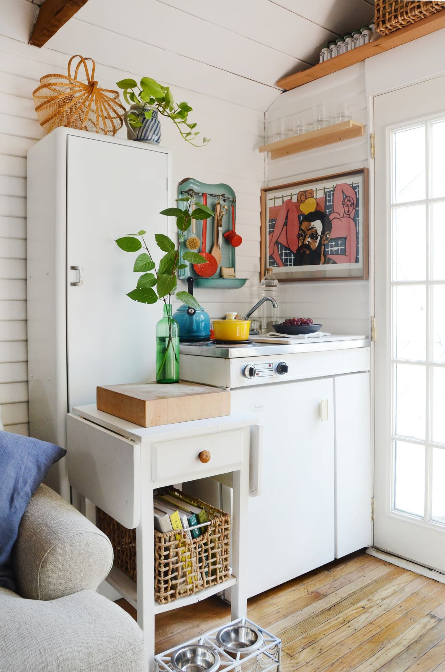 Tiny House Storage Tips for Small Spaces | Apartment Therapy