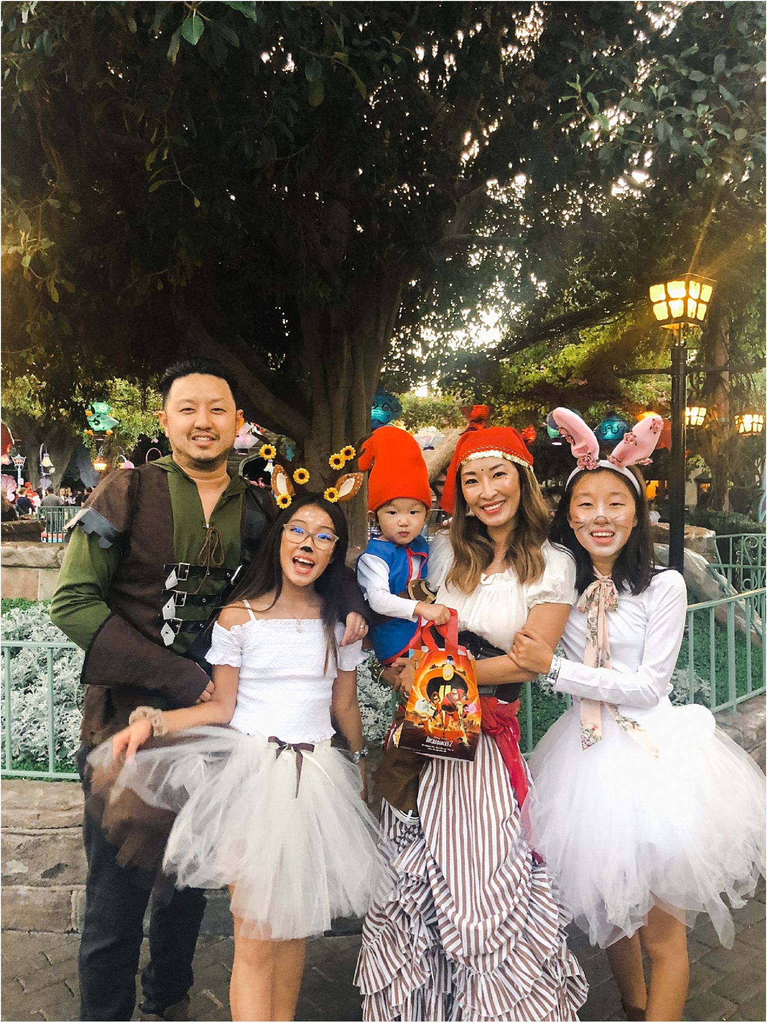Unique Family Halloween Costume Ideas | Mommy Diary ® - halloween ideas unique
