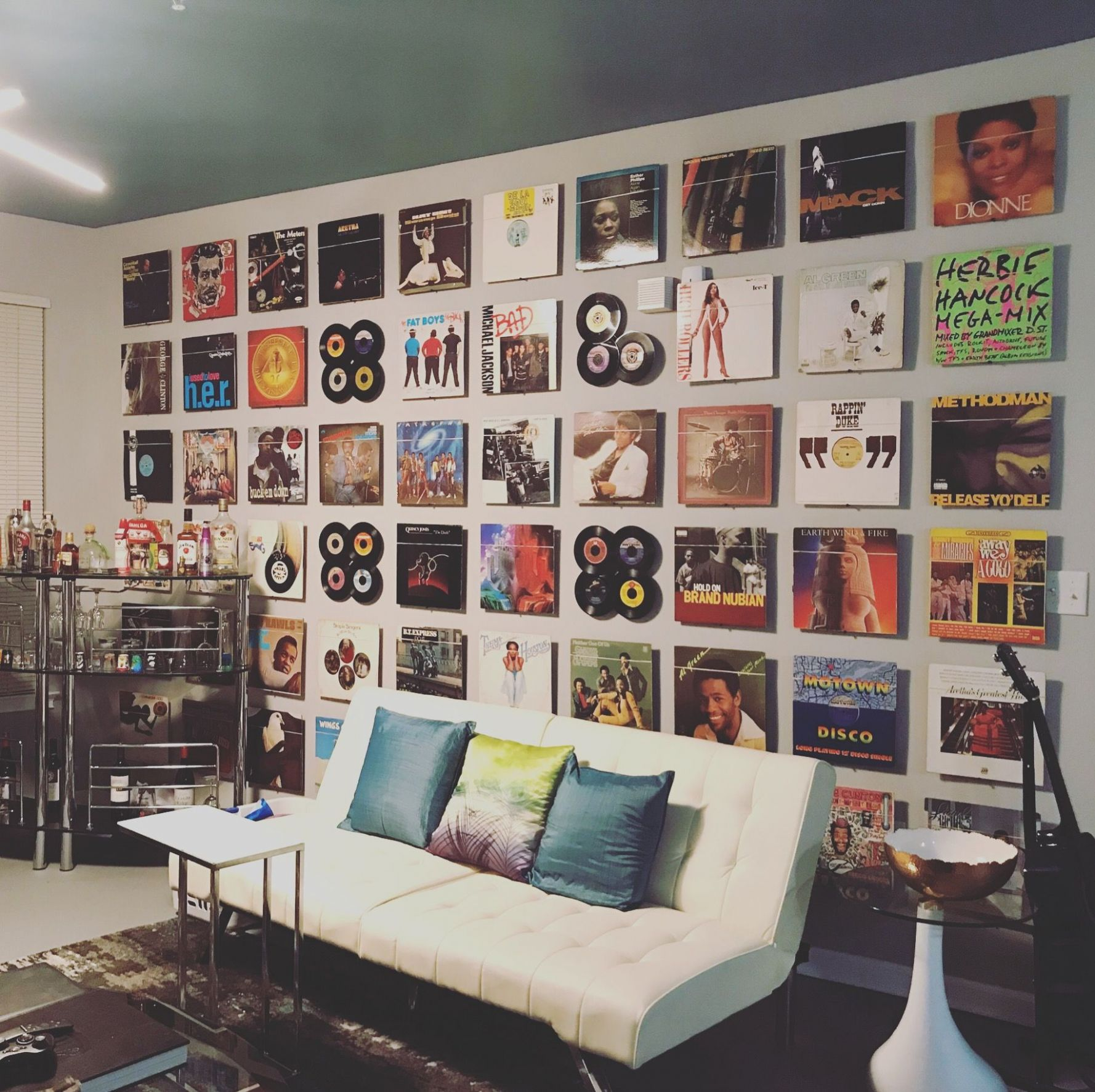 Vinyl Record Tribute Wall | Record room decor, Record wall decor ..