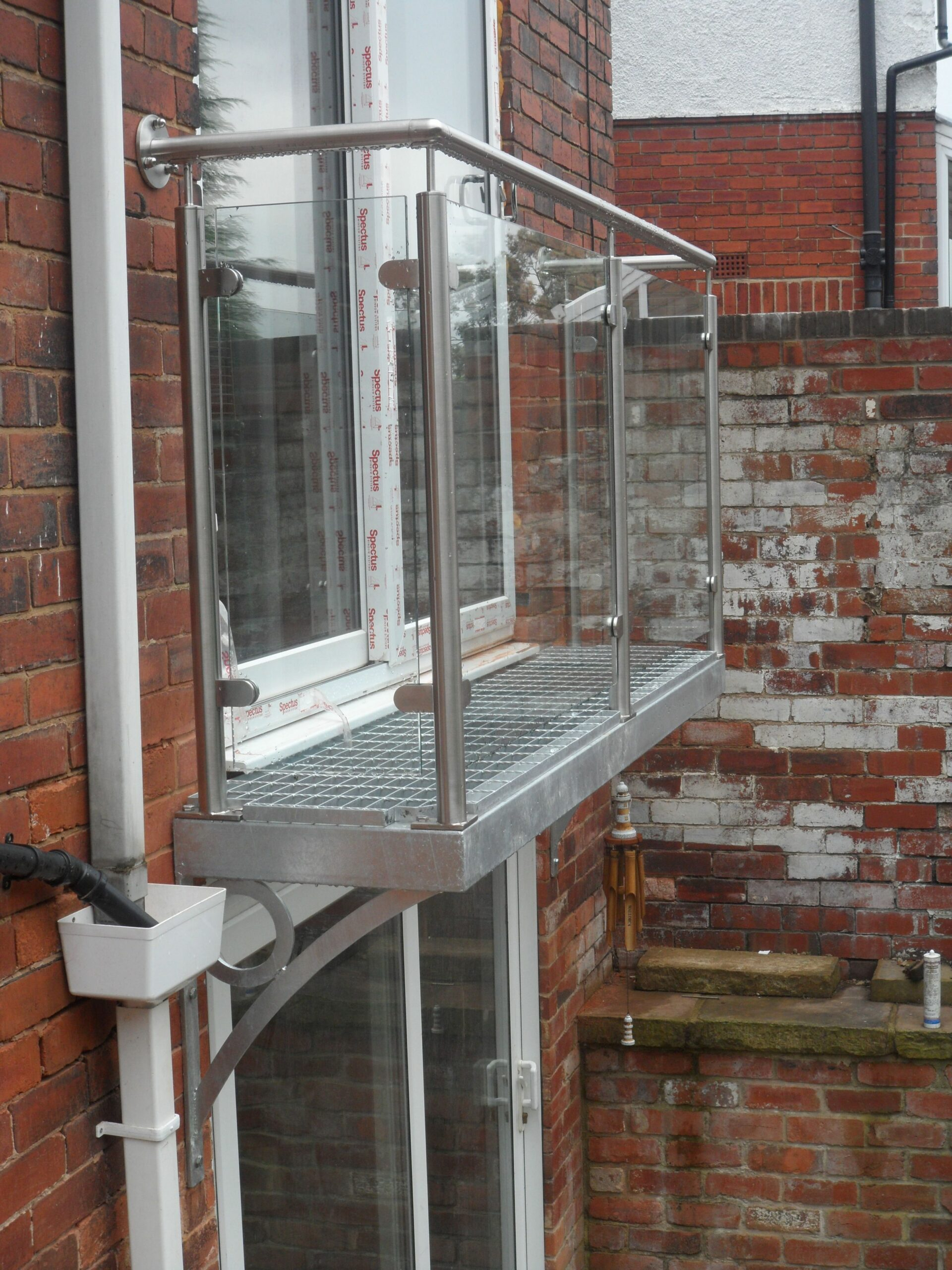Walk out balcony balustrade. Step out juliet balcony design by ...