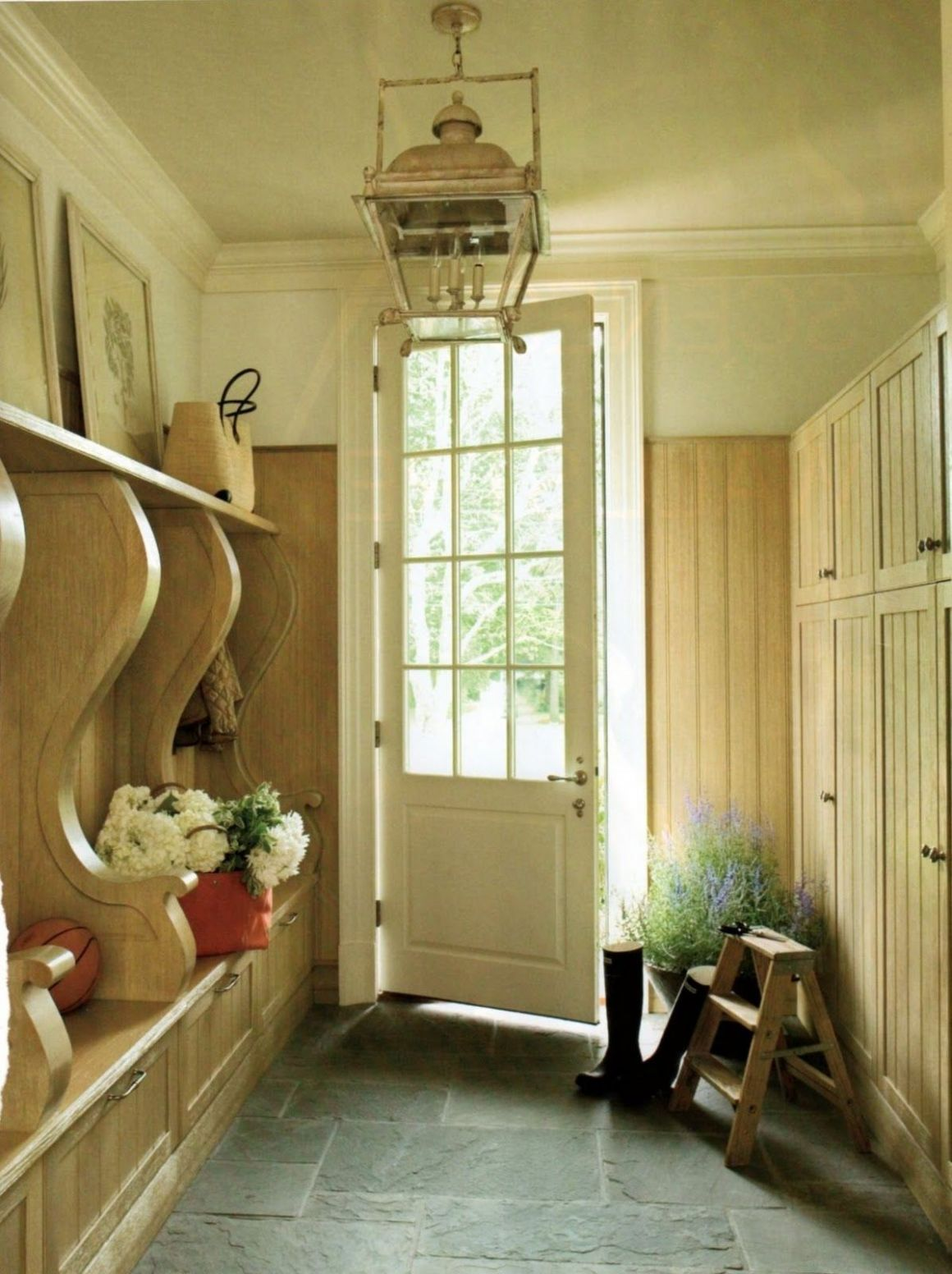 Want bluestone floor like this in our sunroom. Mudroom w ..