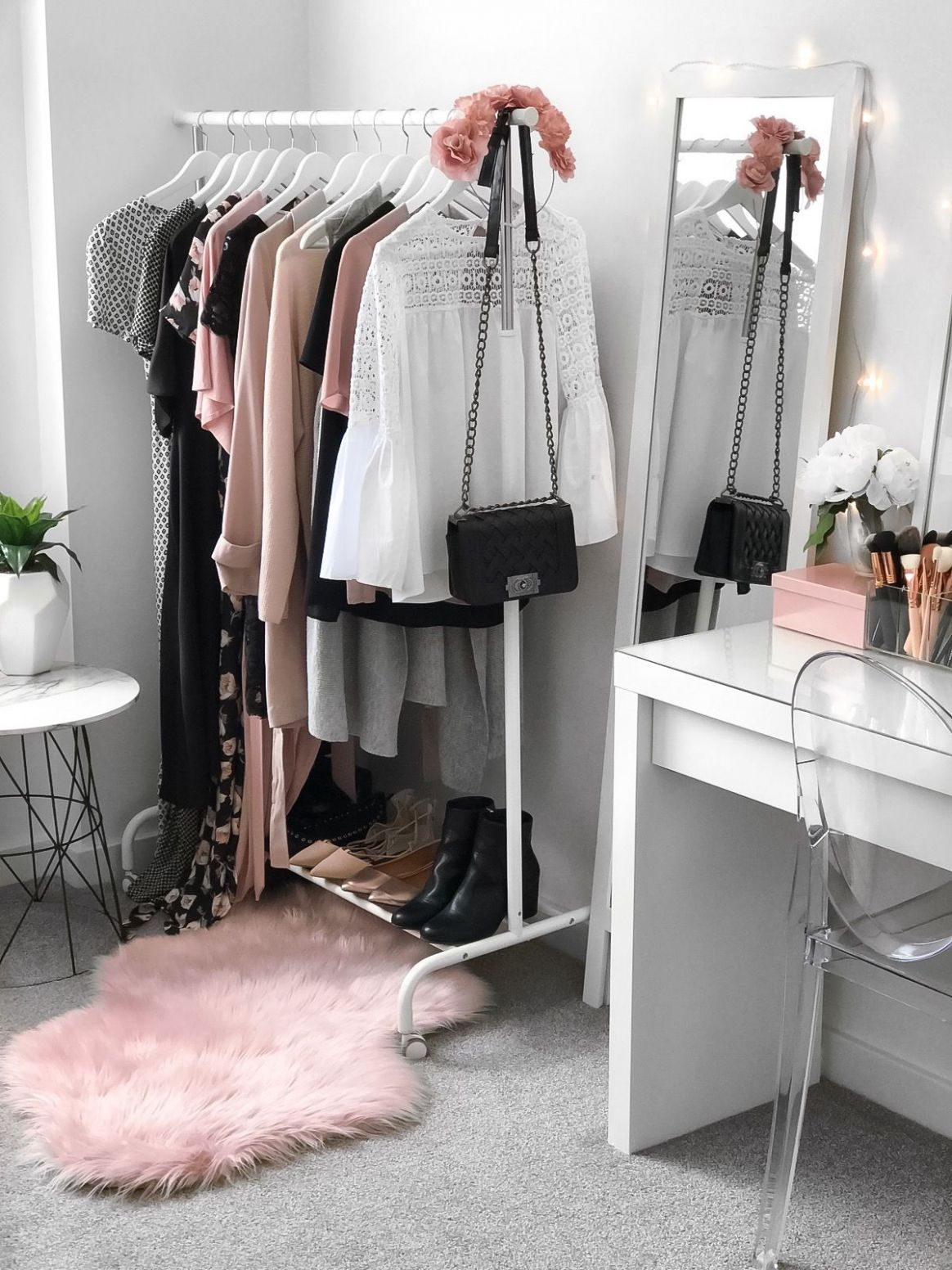 Wardrobe + beauty room. Makeup vanity from Ikea (Malm dressing ..