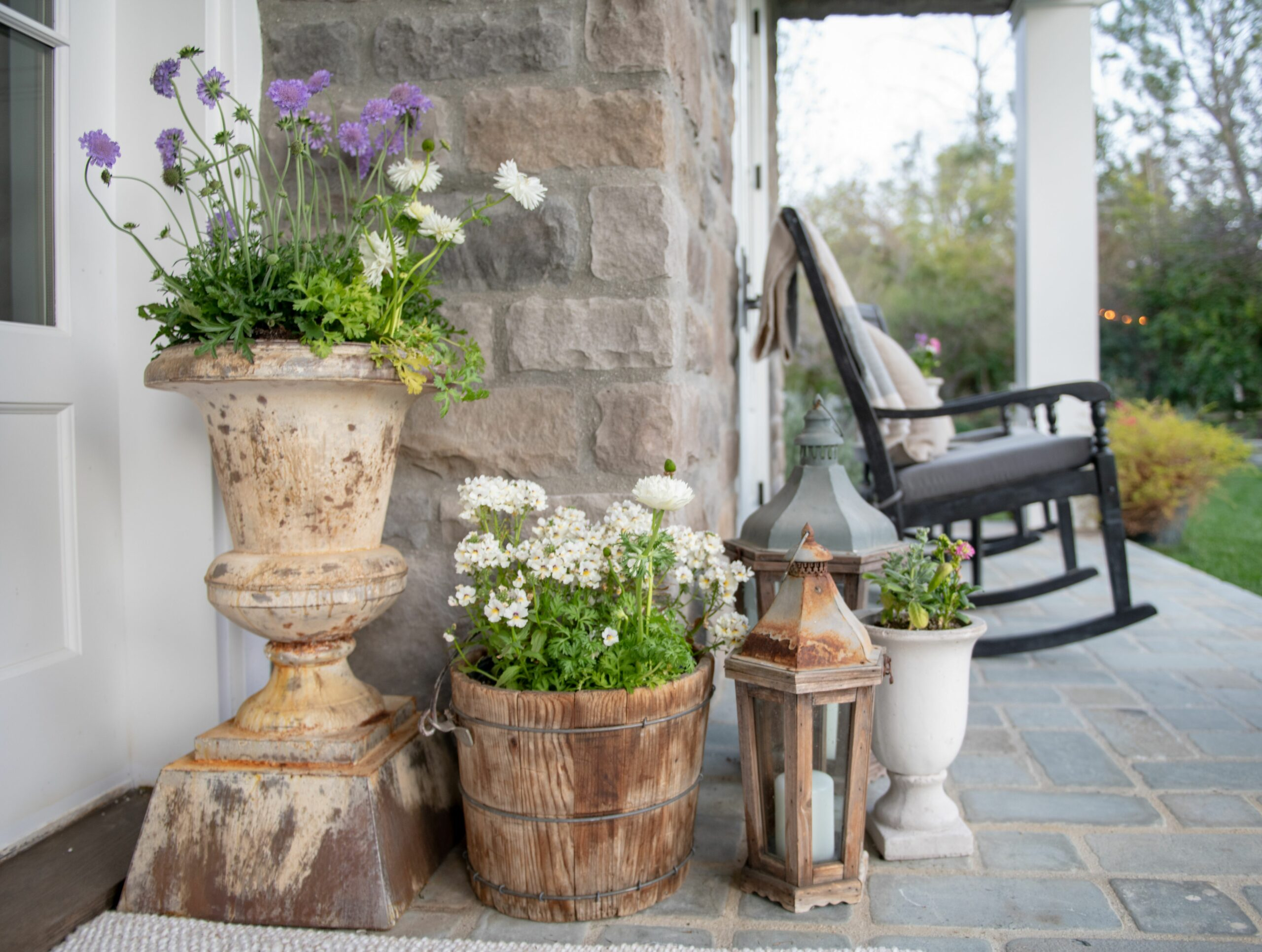 Welcome Spring: Easy Front Porch Decorating - Sanctuary Home Decor - front porch decor spring