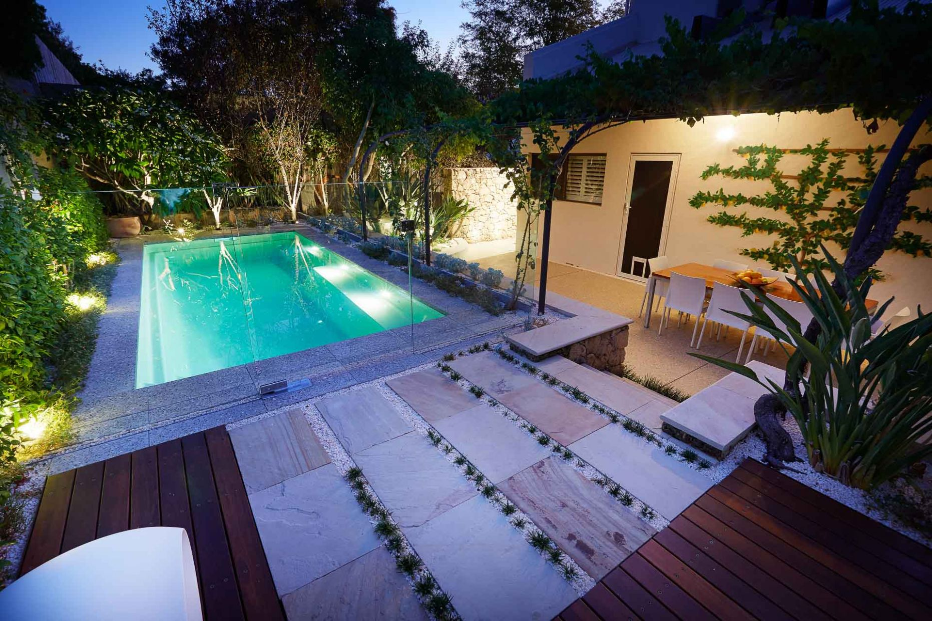 What are the benefits of an above ground pool? - Australian ...