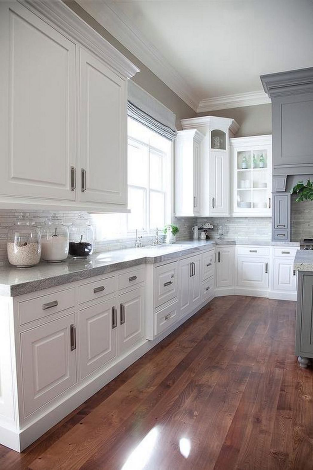 Why White Kitchen Interior is Still Great for 8 | Latest ...