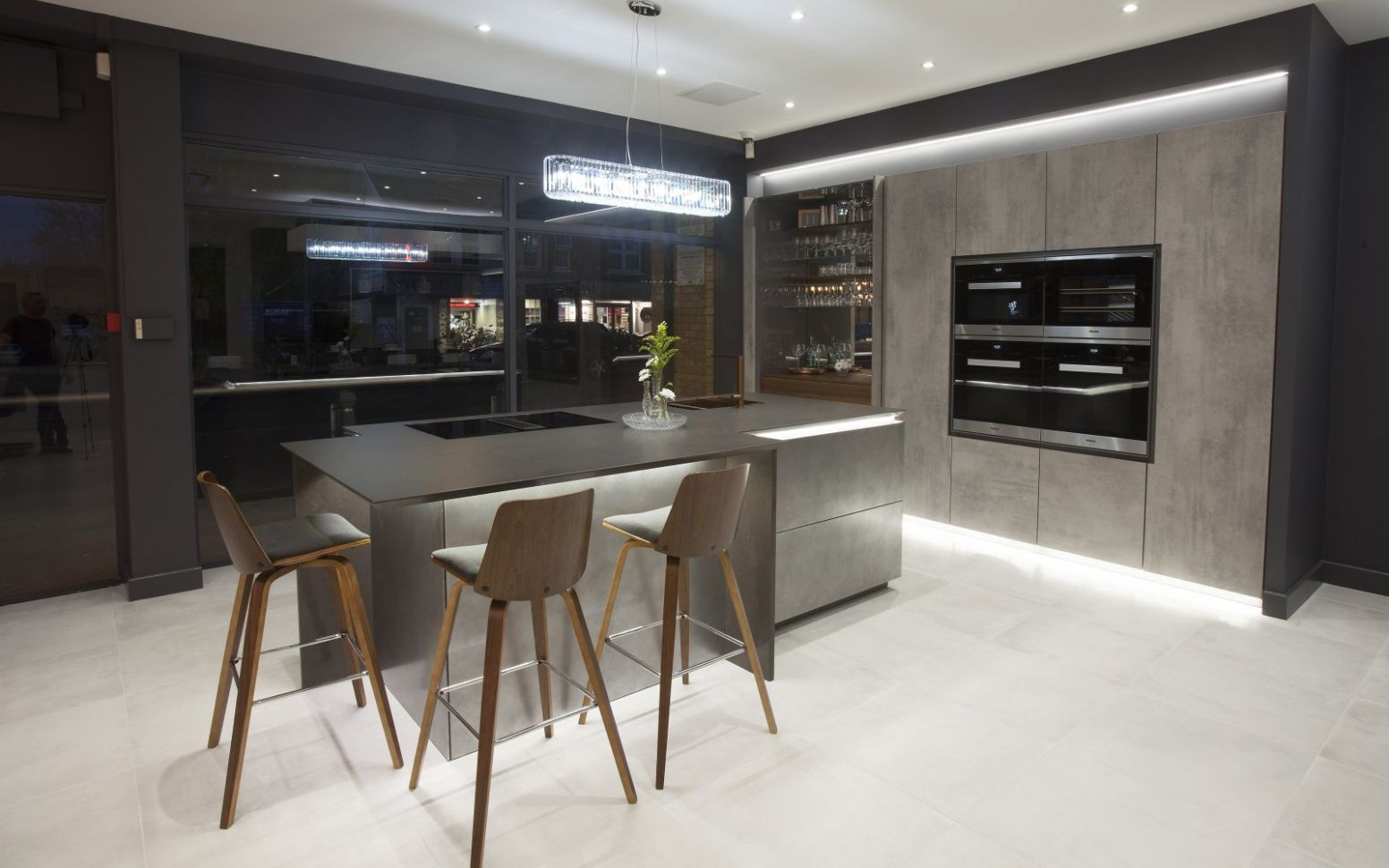 Woking kitchens - Woking fitted kitchens - in-toto kitchen showroom