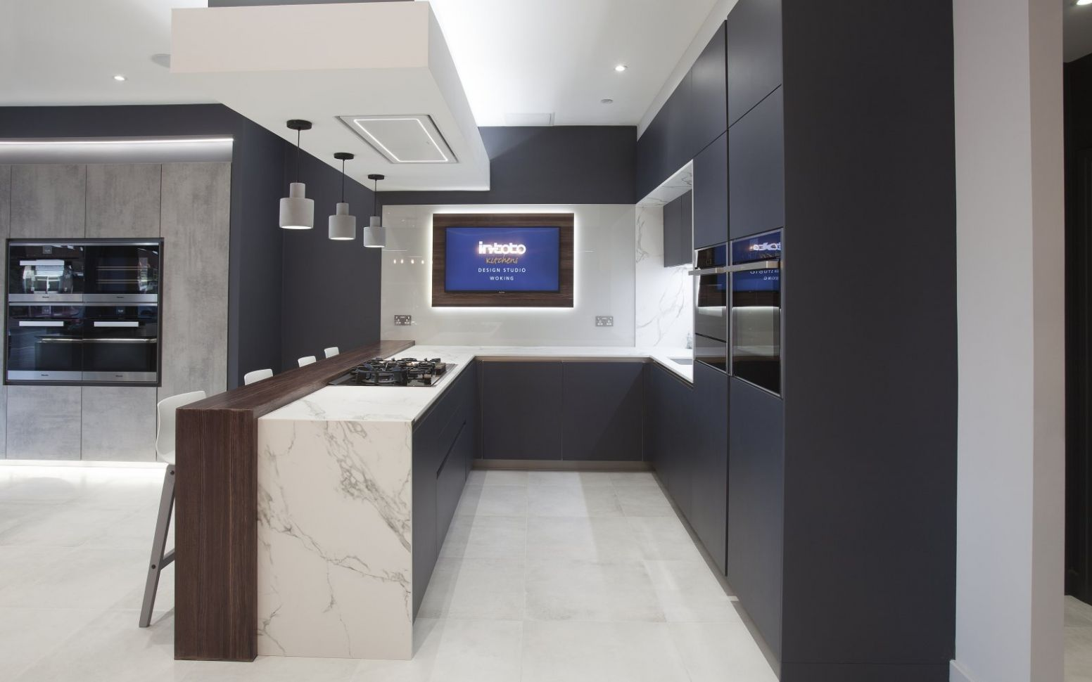 Woking kitchens - Woking fitted kitchens - in-toto kitchen showroom - kitchen ideas st johns woking
