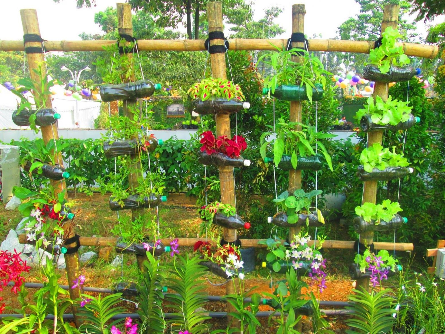 10 Awesome Diy Garden Ideas From Recycled Materials (With images ...