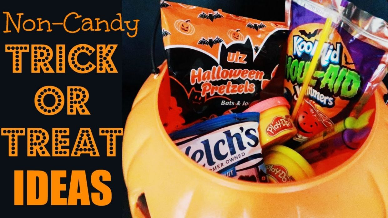 10 NON-CANDY Trick-or-Treating Ideas for Halloween ?