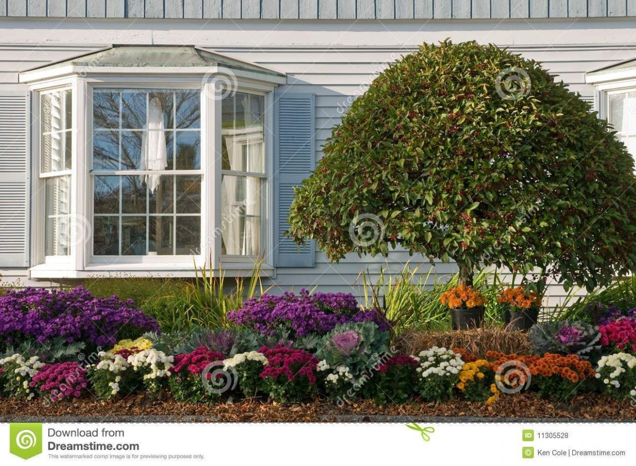 11 Bay Window Garden Ideas, Awesome as well as Beautiful | Front ...