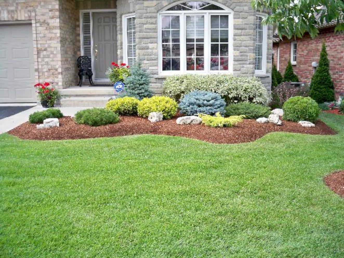 11 Gorgeous Front Yard Landscaping Remodel Ideas | Shrubs for ...
