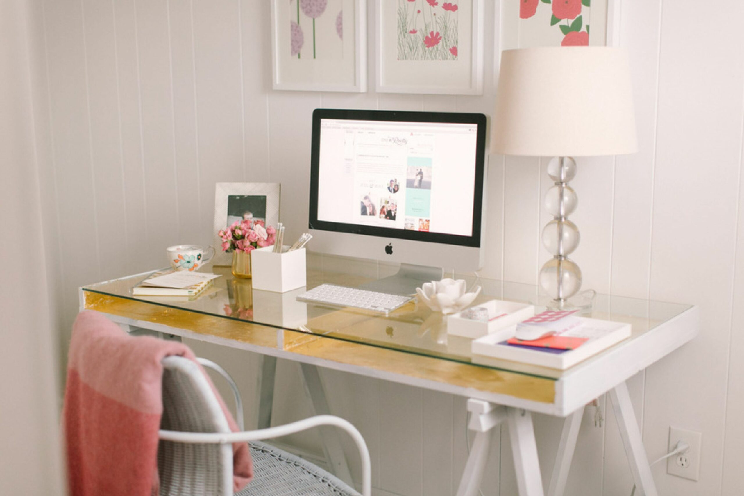 11 Minimalist Home Office Ideas to Steal Now | StyleCaster