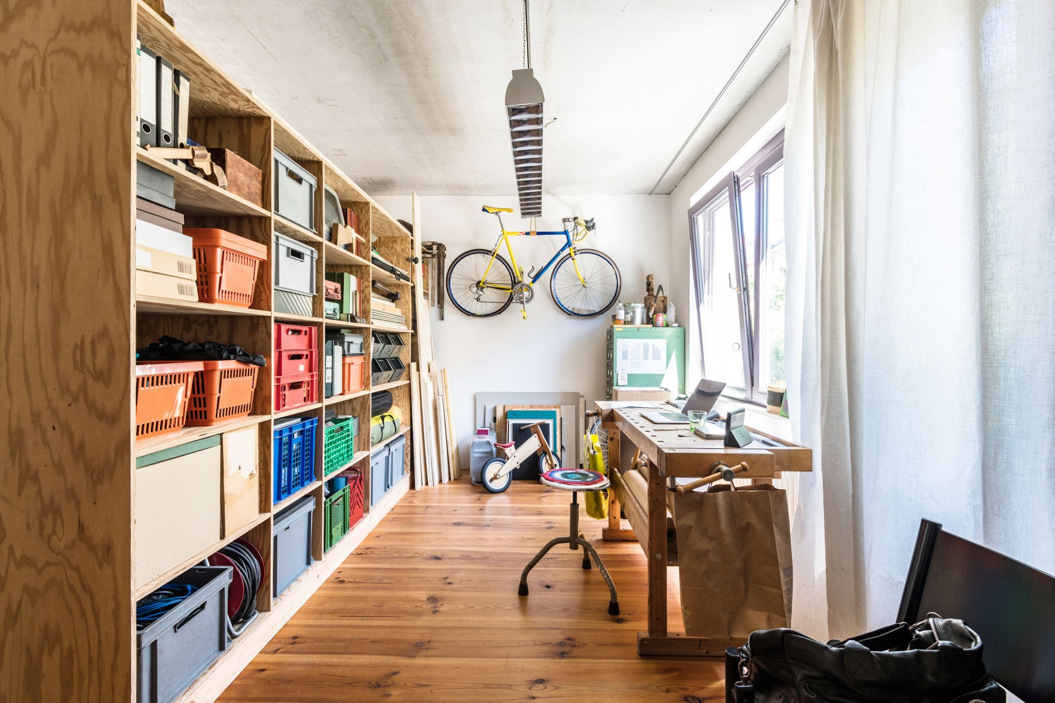 11 Modern and Chic Ideas for Your Home Office - Freshome - decorating your home office ideas