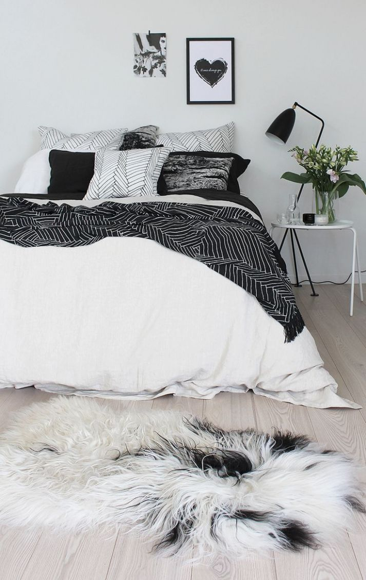 11 Timeless Black And White Bedrooms That Know How To Stand Out - bedroom ideas black and white