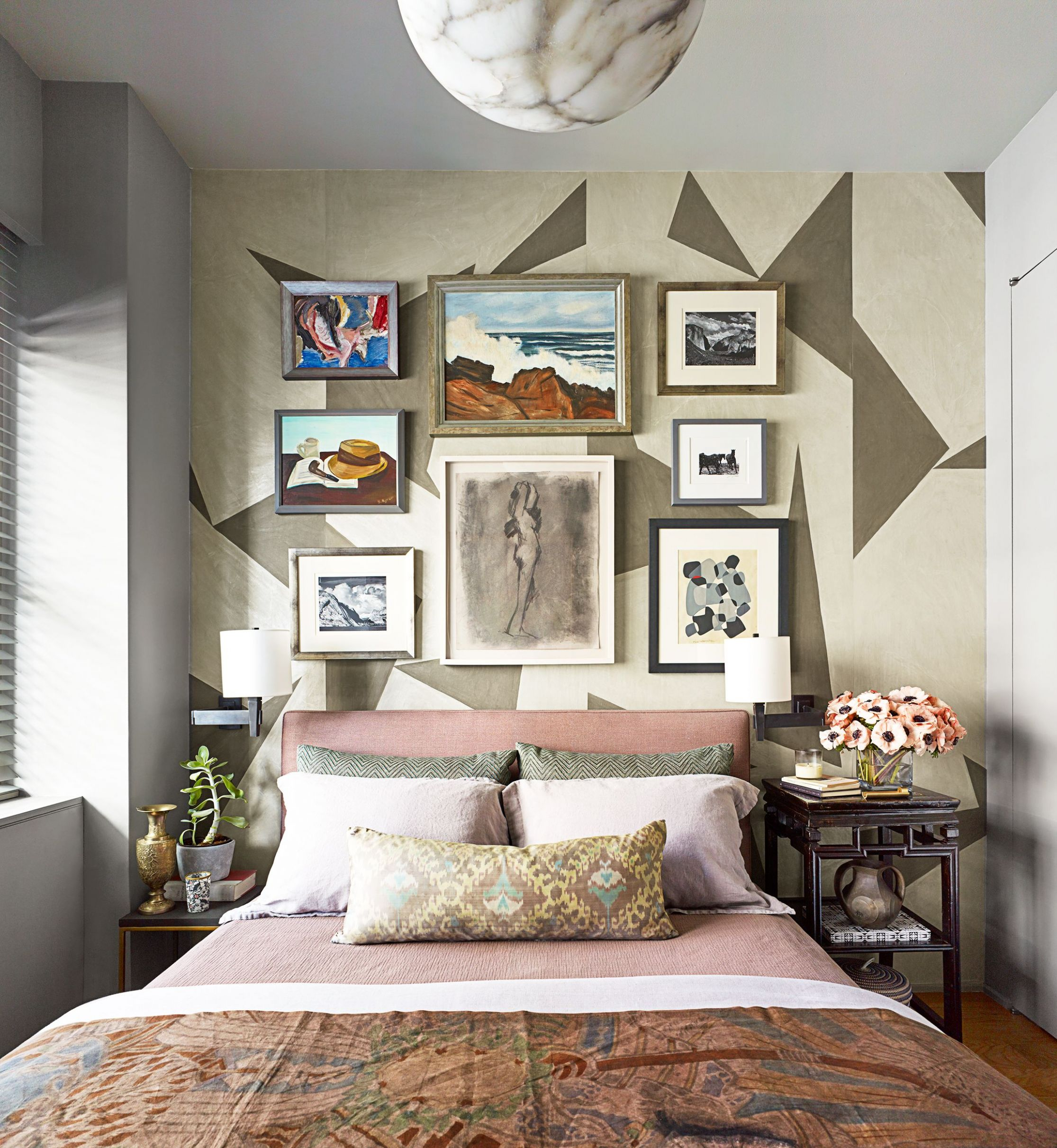 12 Small Bedroom Design Ideas - How to Decorate a Small Bedroom - small bedroom ideas queen bed