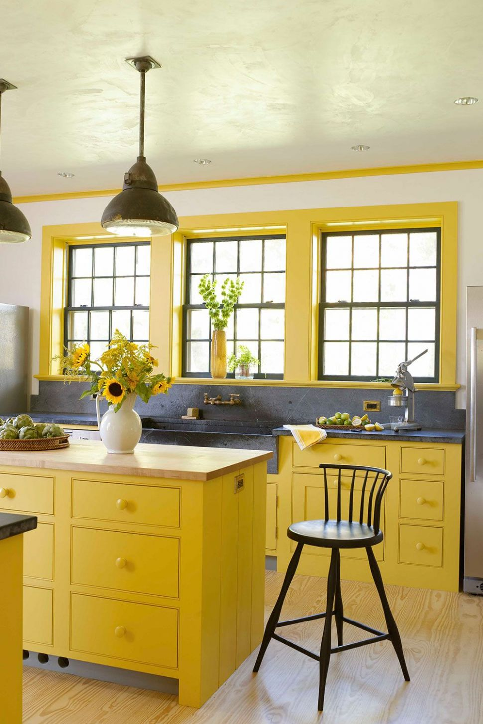 12 Yellow Kitchen Ideas - Decorating Tips for Yellow Colored Kitchens