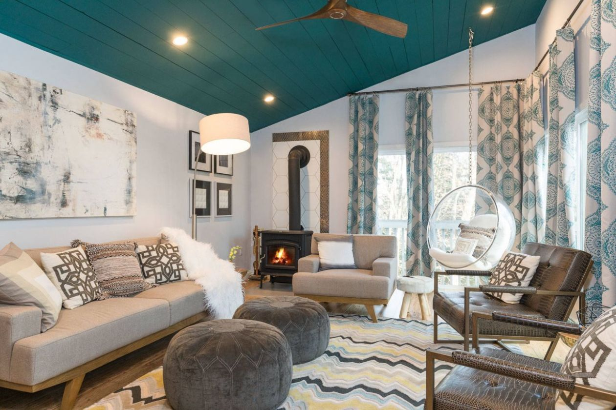 8 Living Rooms That Boast a Teal Color - living room ideas teal