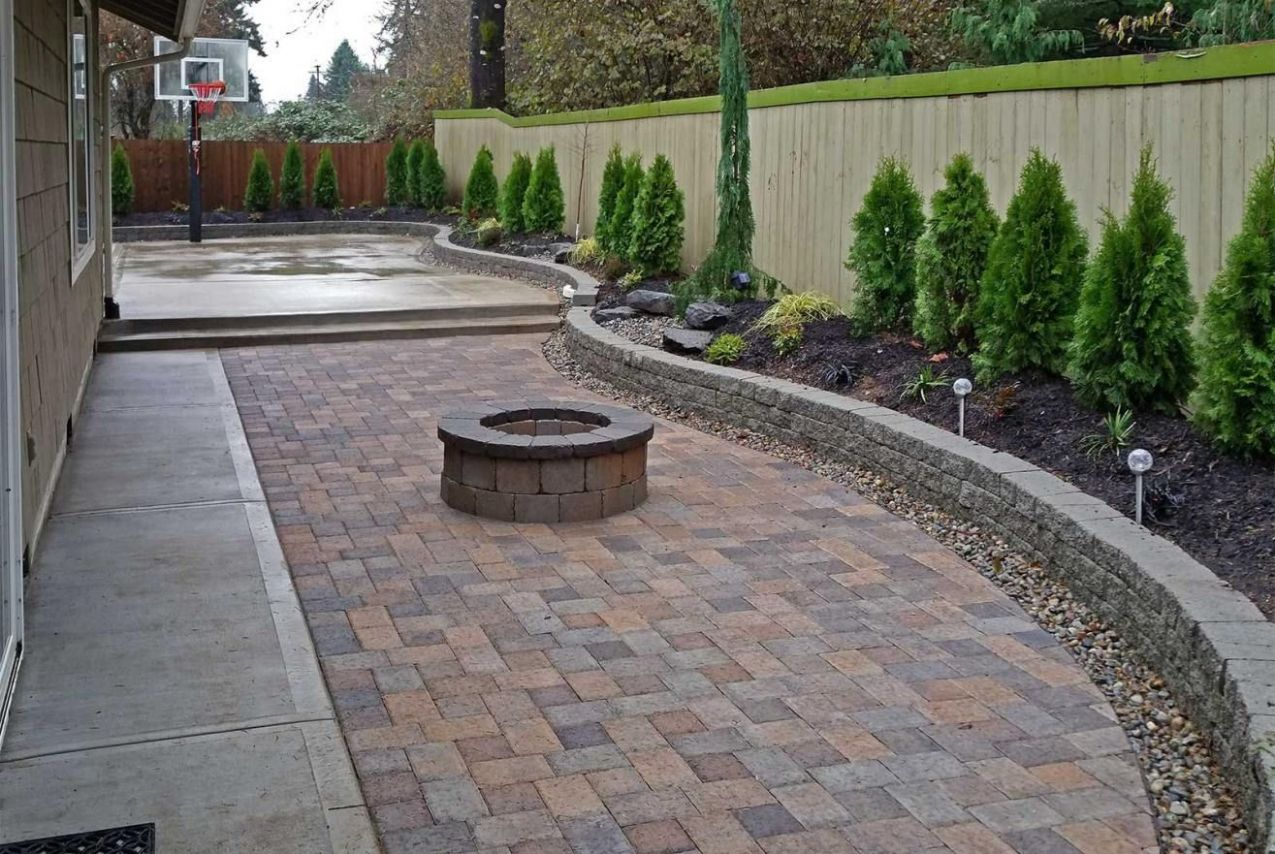 8 Smart Ideas How to Build Paved Backyard Ideas | Paved backyard ..
