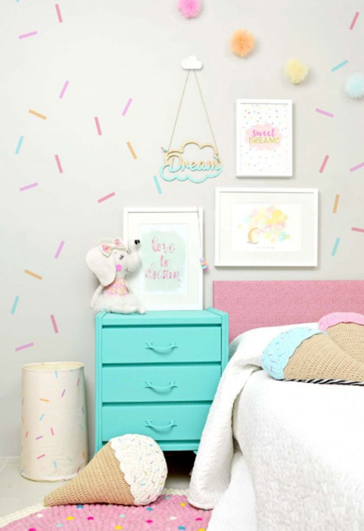 8 Wall Decor Ideas for Girls' Rooms