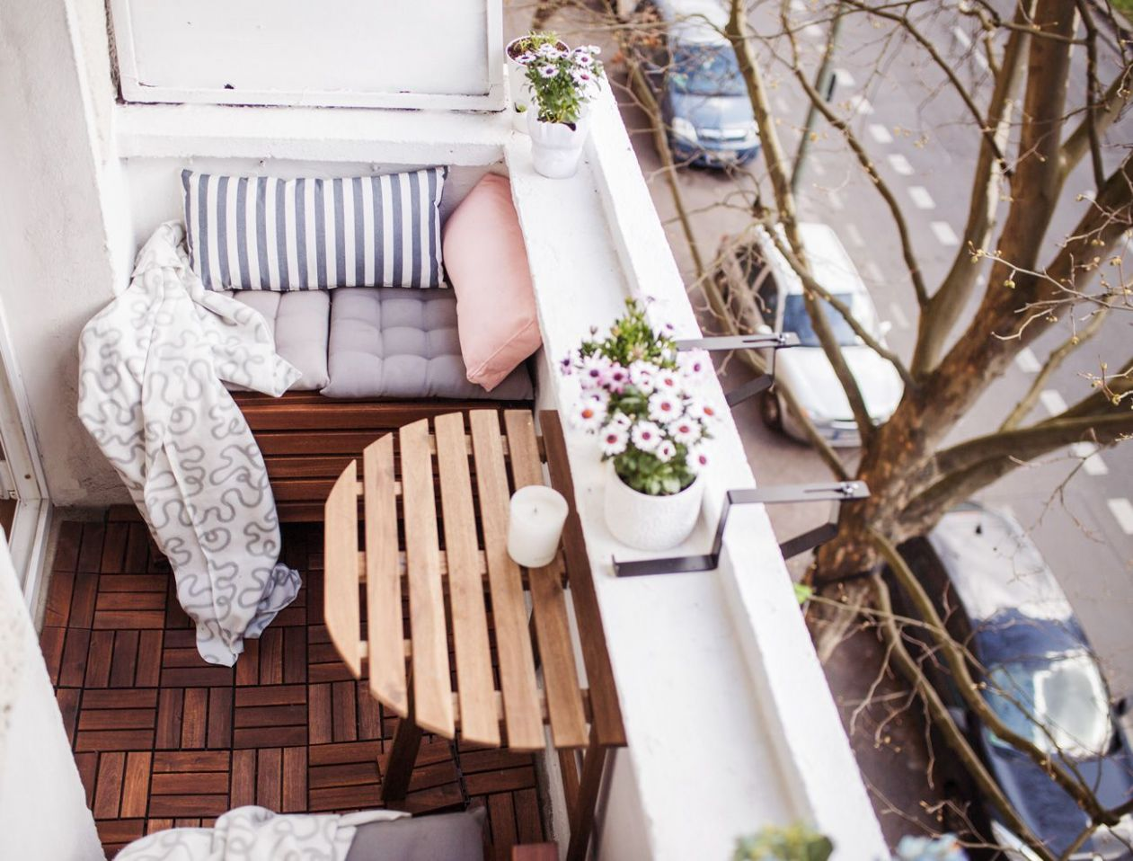 8 Ways to Make the Most of Your Tiny Apartment Balcony