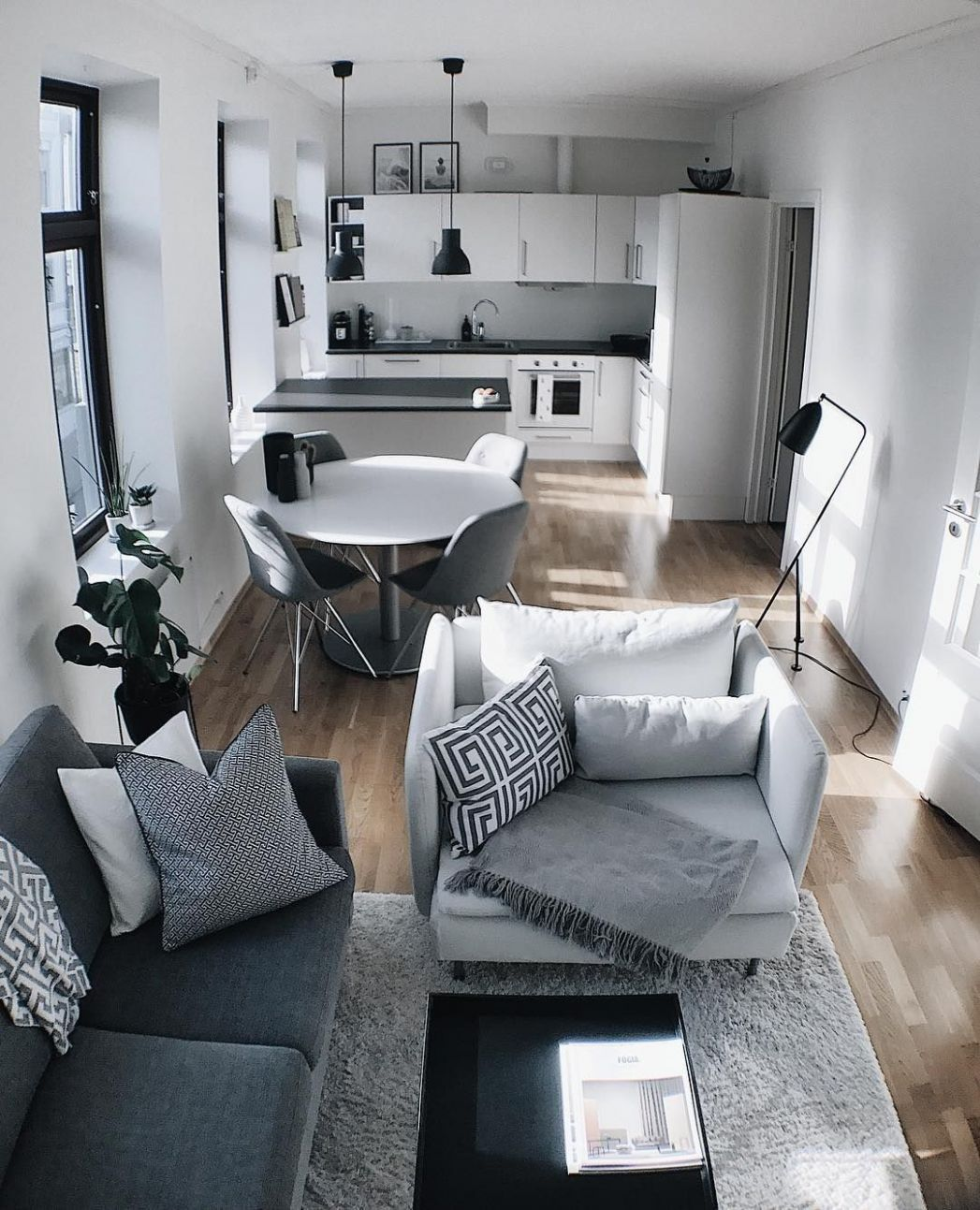 9 Apartment Decorating Ideas On a Budget For a Beautiful Space ...