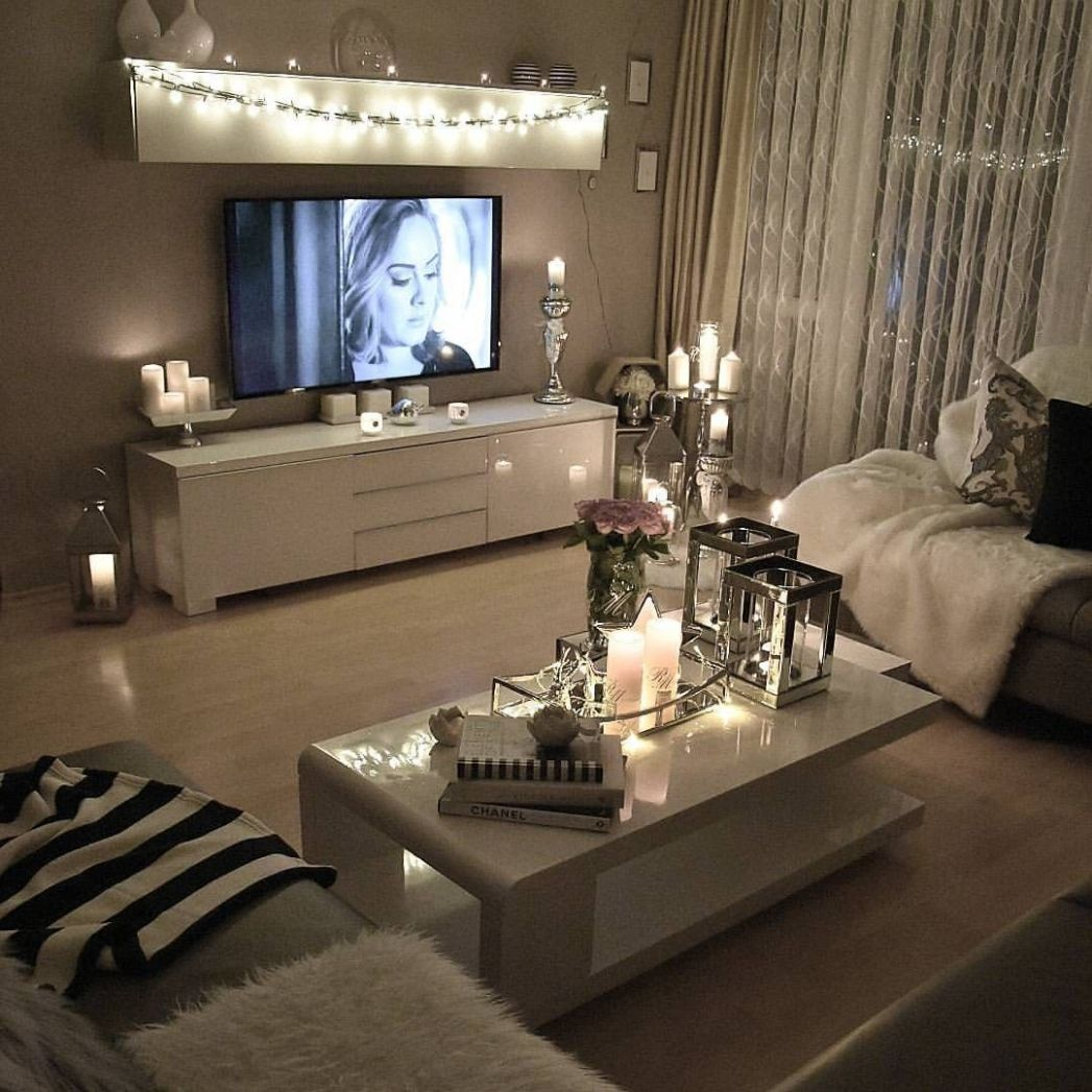 9+ Cozy Living Room Ideas for Small Apartment | First apartment ..