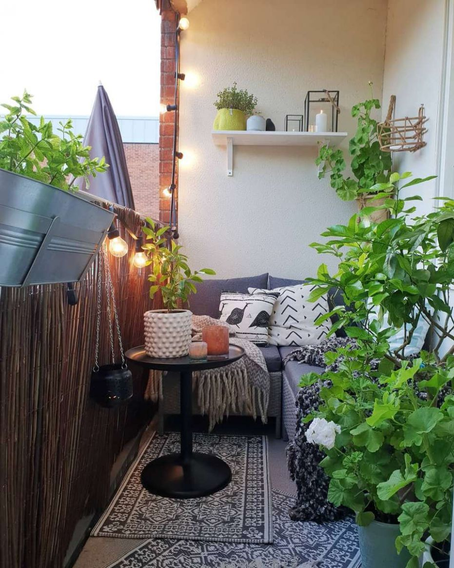 9 Ways to Make the Most of Your Tiny Apartment Balcony - apartment veranda design