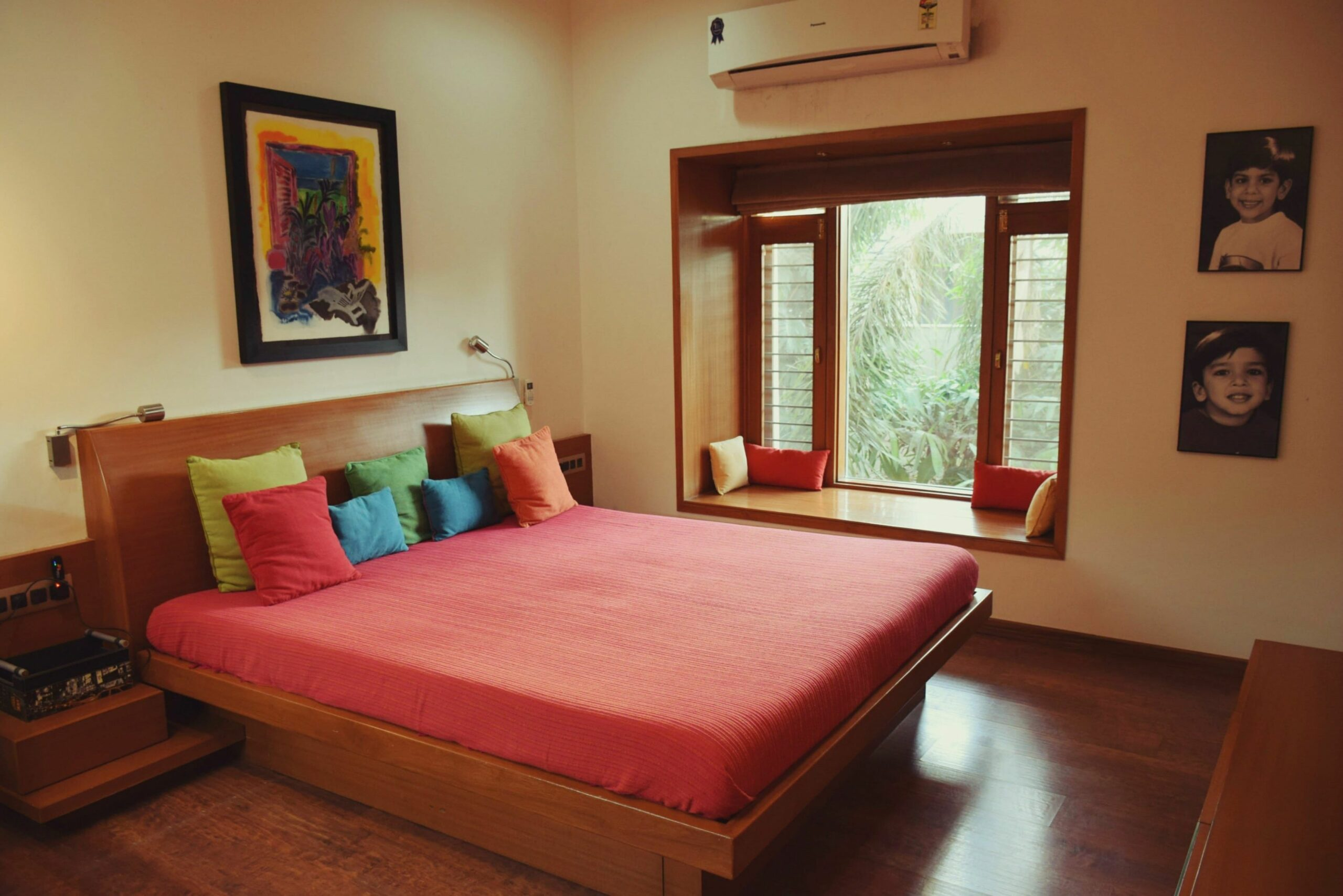 Alpavi & Utpal's Mix of Old and New | Indian bedroom decor, Home ...