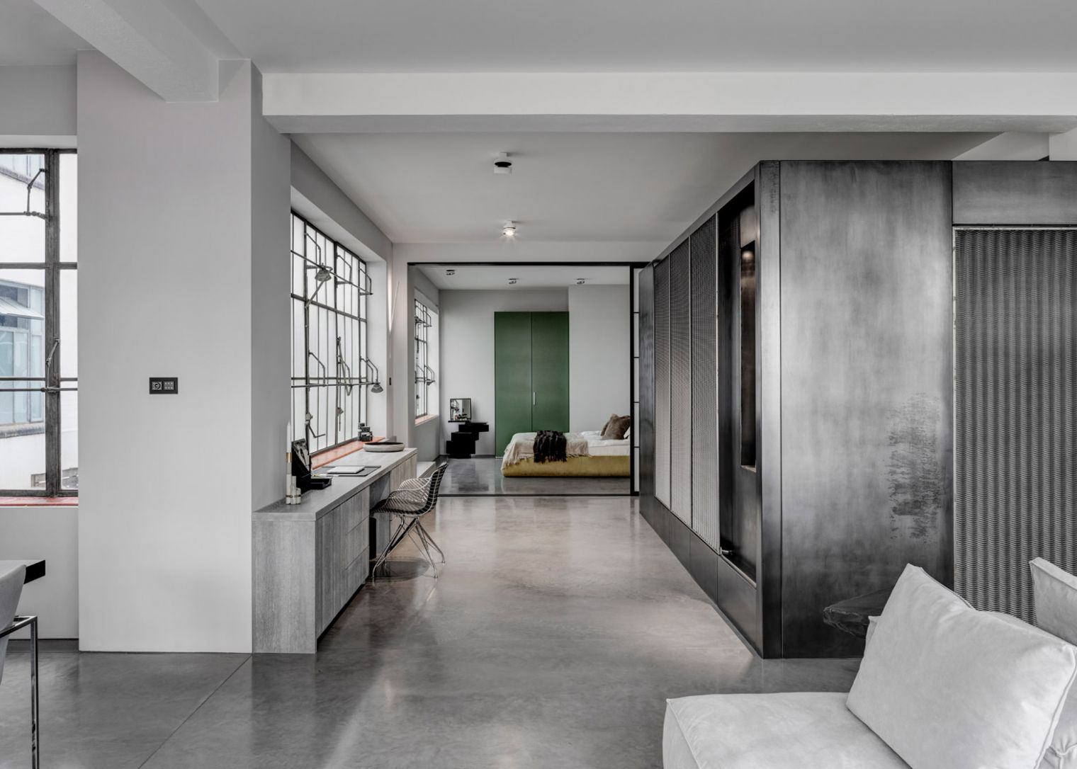 APA designs Theatrical Apartment in London for film directors