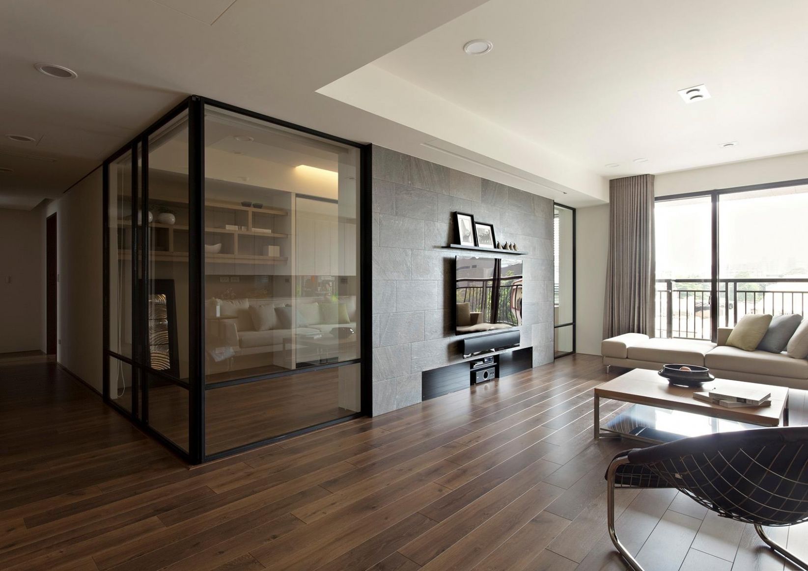 Apartment With A Retractable Interior Wall - apartment wall design