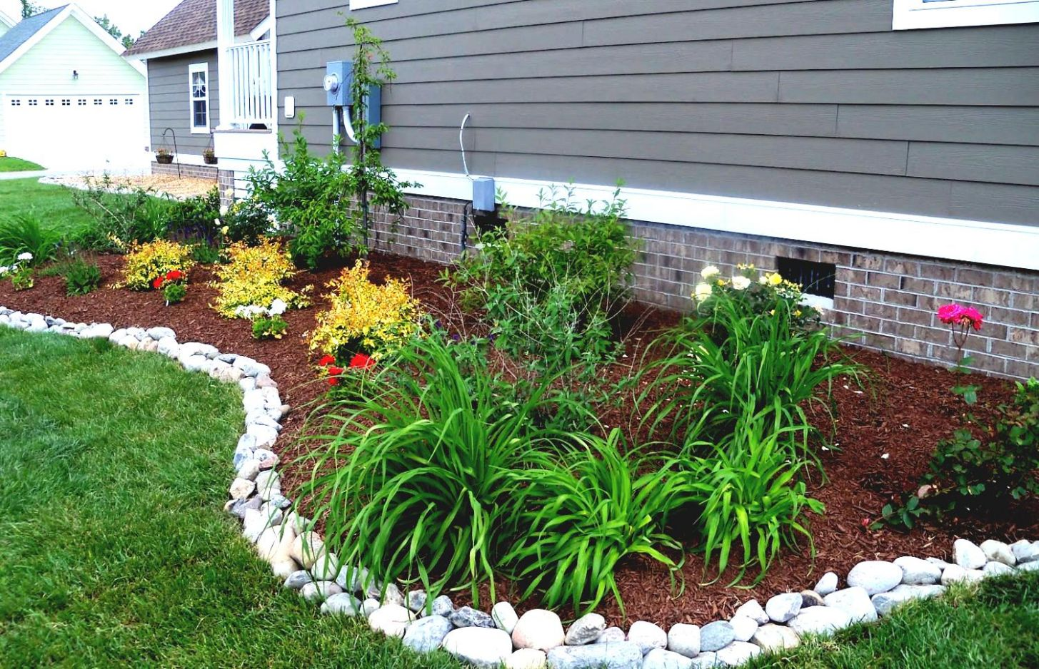 Awesome Garden Landscaping Ideas For The Space Around Your House ..