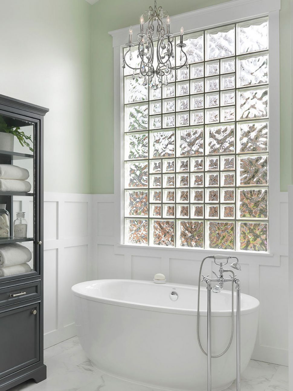 Bathroom windows ideas that you can try for your home - window ideas for bathroom