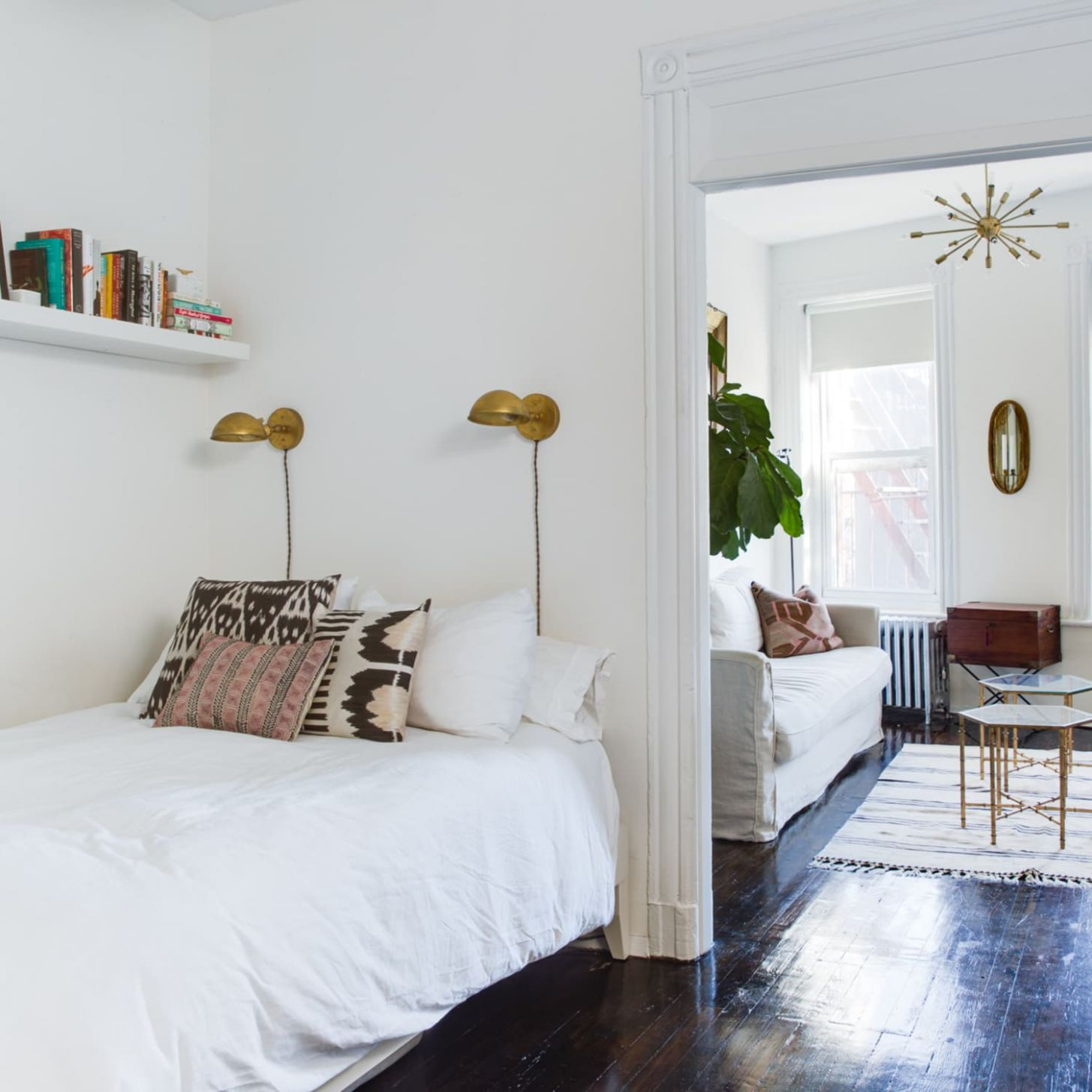Best Small Bedroom Ideas - Design and Storage Tips | Apartment Therapy - small bedroom ideas queen bed