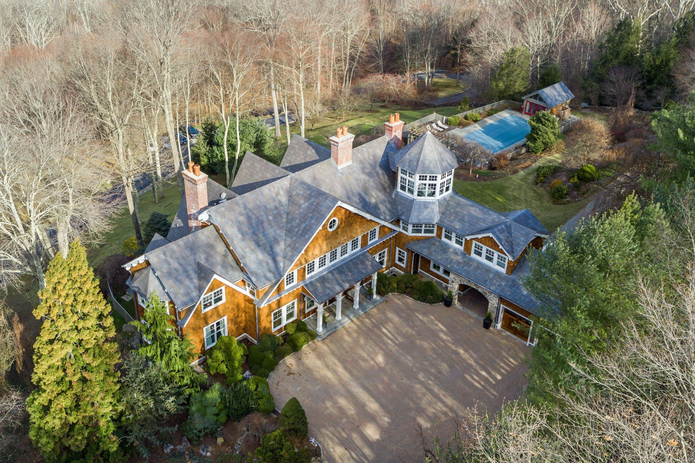 Bruce Willis Put His New York State Mansion On The Market For ...
