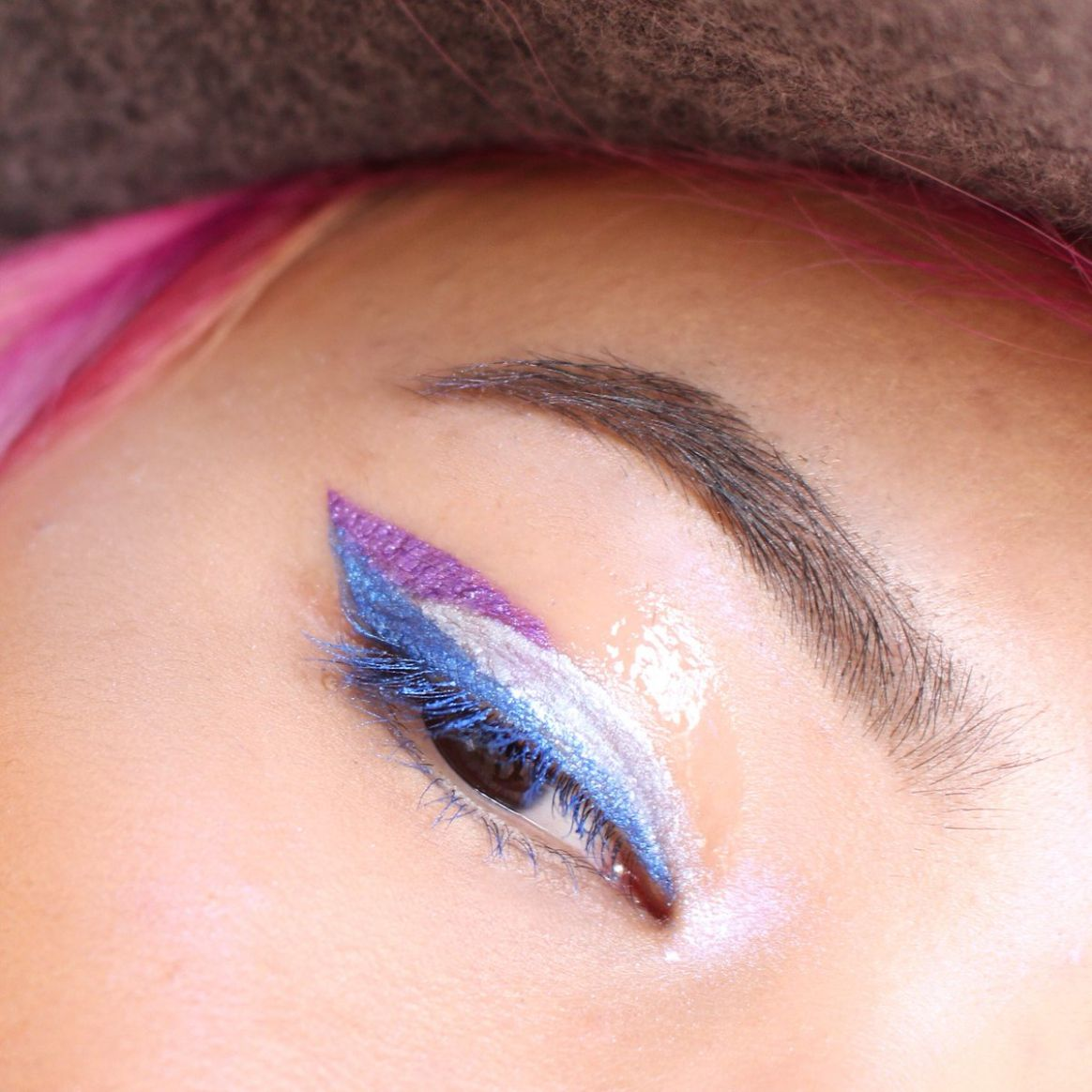 """cloesshi on Twitter: """"Playing with @milkmakeup. Eye pigment in .."""