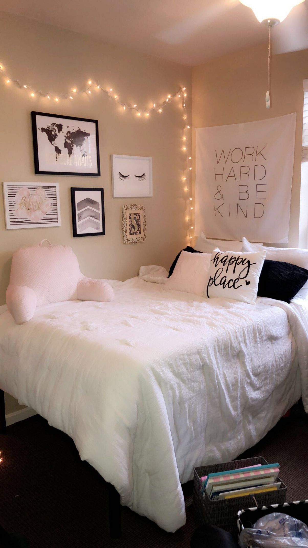 College apartment room ideas #pink #hobbylobby #college #apartment ..