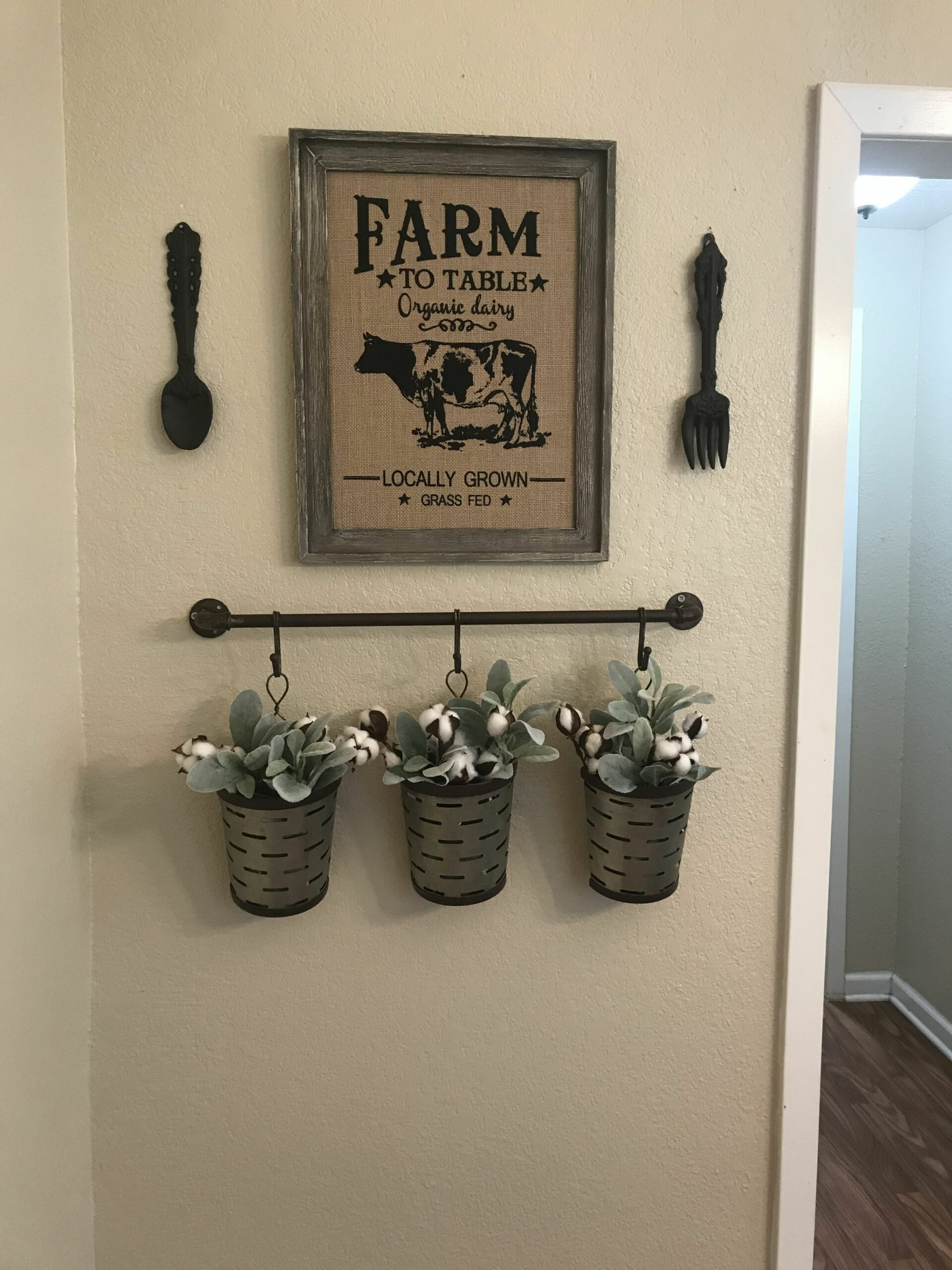 Dining room farmhouse decor from Hobby Lobby. | Bauernhaus küchen ..