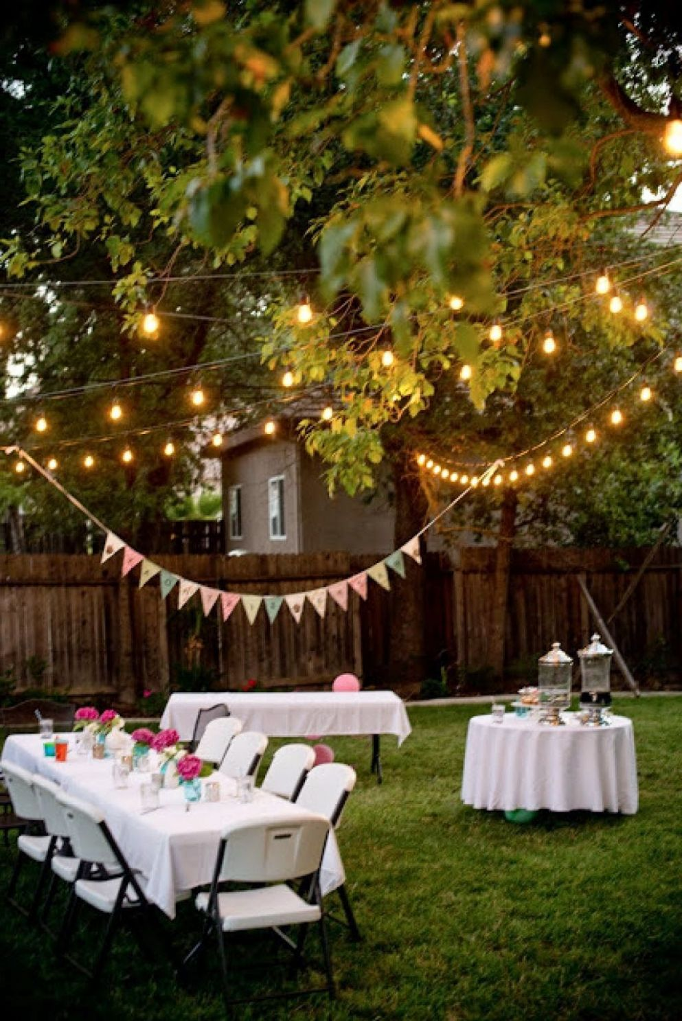 Enjoy a year-end party in the backyard (With images) | Bbq party ..