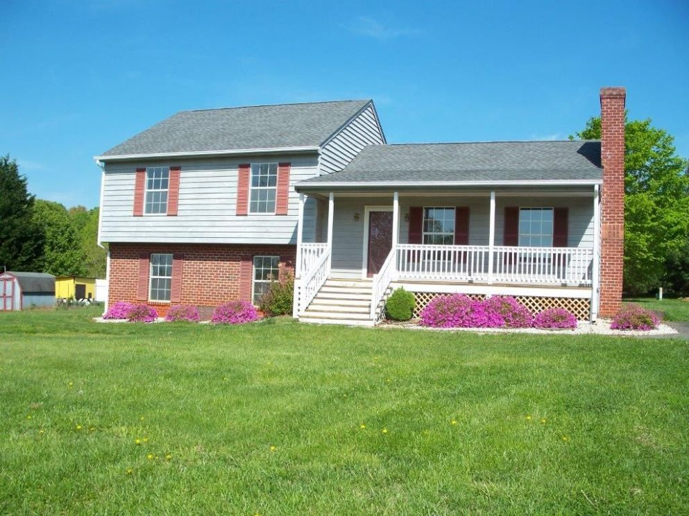 front porch on split level home - Google Search | House front ..
