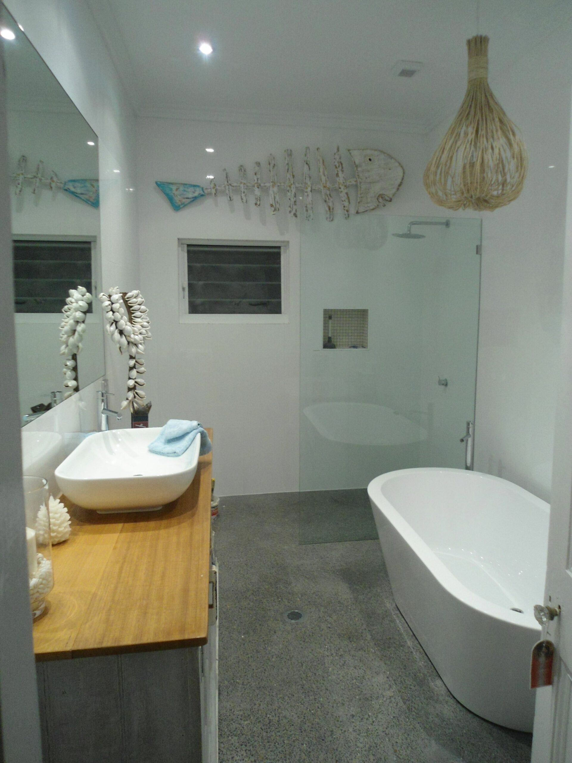 Great layout for separate shower and bath for a small space. www ..