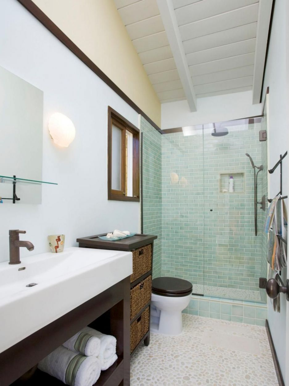 HGTVRemodels shows you three-quarter bathroom designs and layouts ..