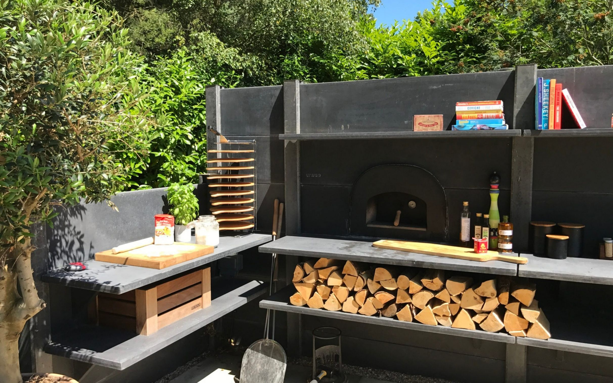 How to use your barbecue all year round: set up an outdoor kitchen - garden kitchen ideas uk