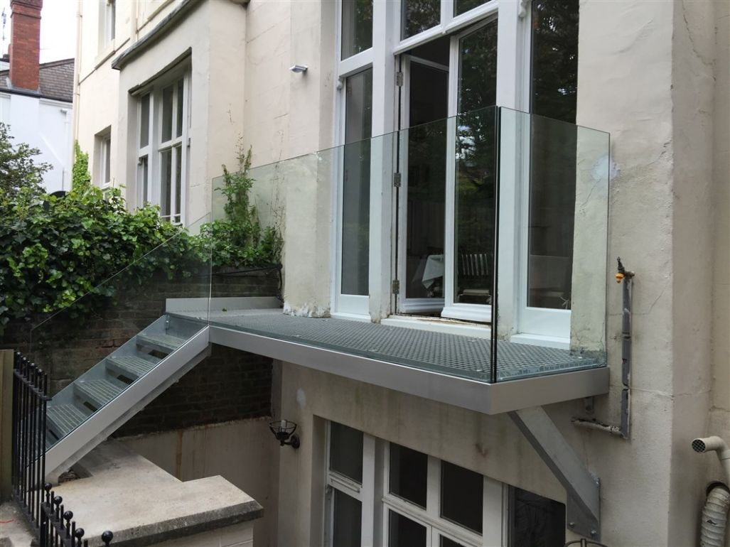 Infinity Glass Balcony - Bespoke Glass Balconies by Sunrock Balconies
