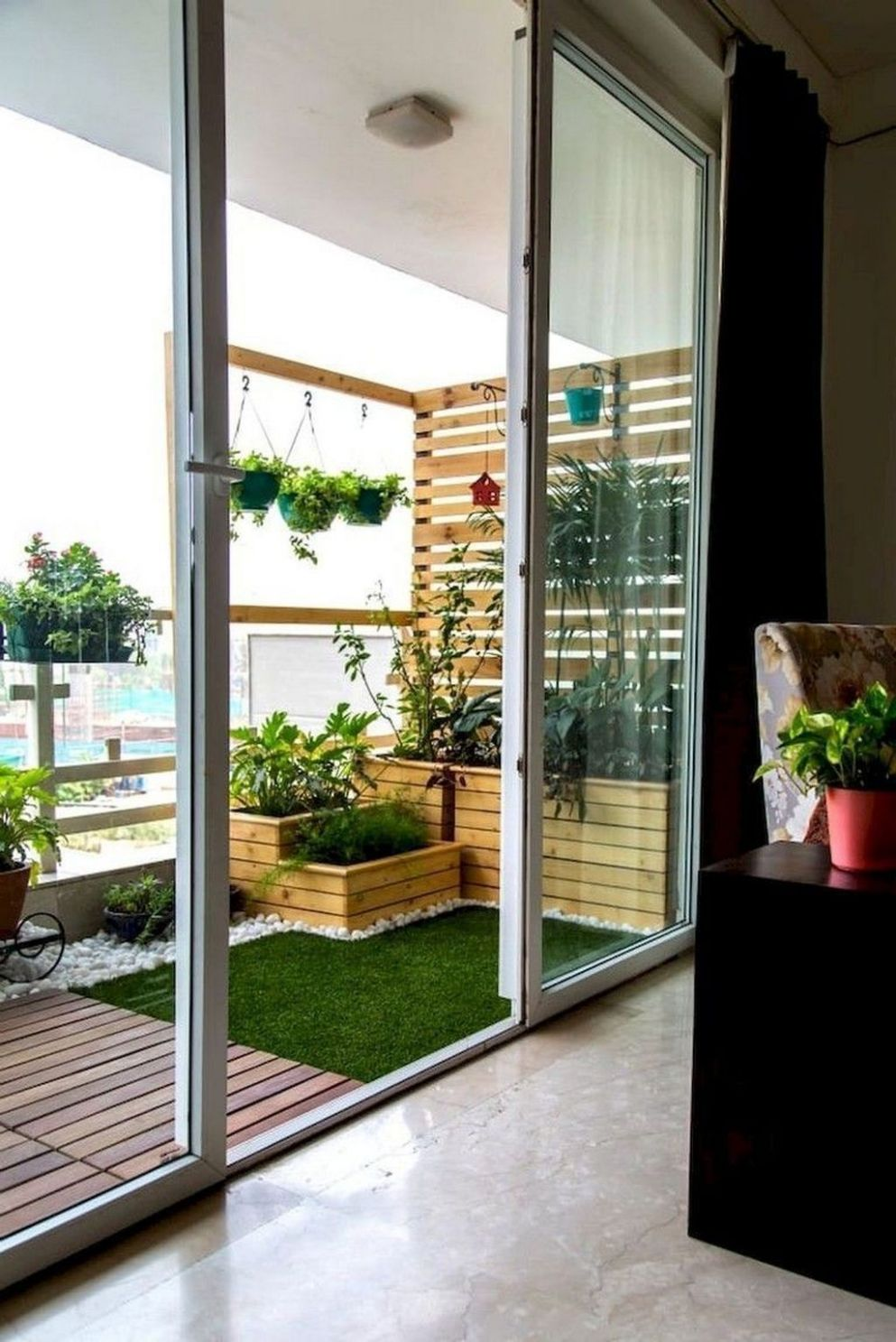 Inspiring Small Apartment Balcony Ideas You Will Love It in 8 ..