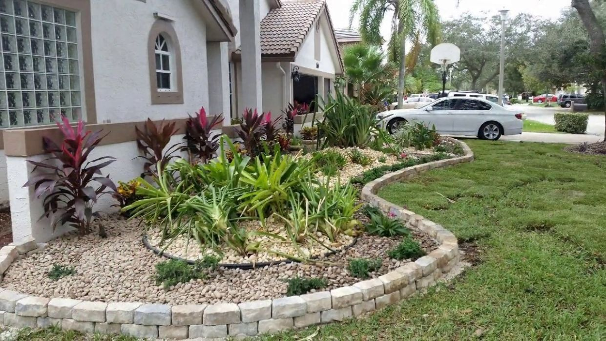 Landscaping Ideas for Front of House That Will Inspire You - garden ideas around the house