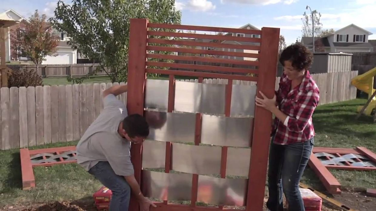 Lowe's Creative Ideas: Building an Outdoor Privacy Screen