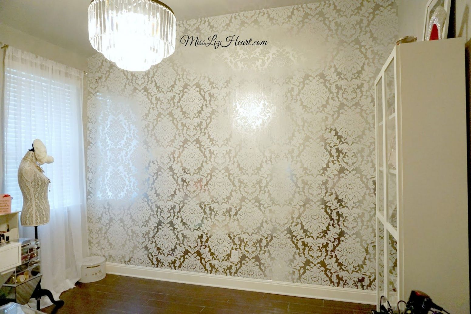 New Wallpaper! Makeup Room Update | White and silver wallpaper ..