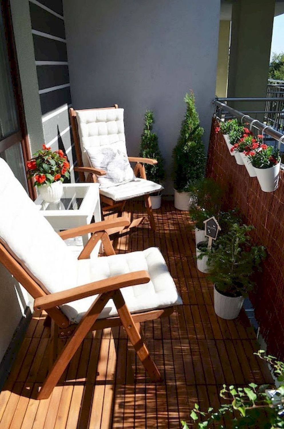 Nice 12 Rental Apartment Decorating Ideas. | Balcony furniture ...