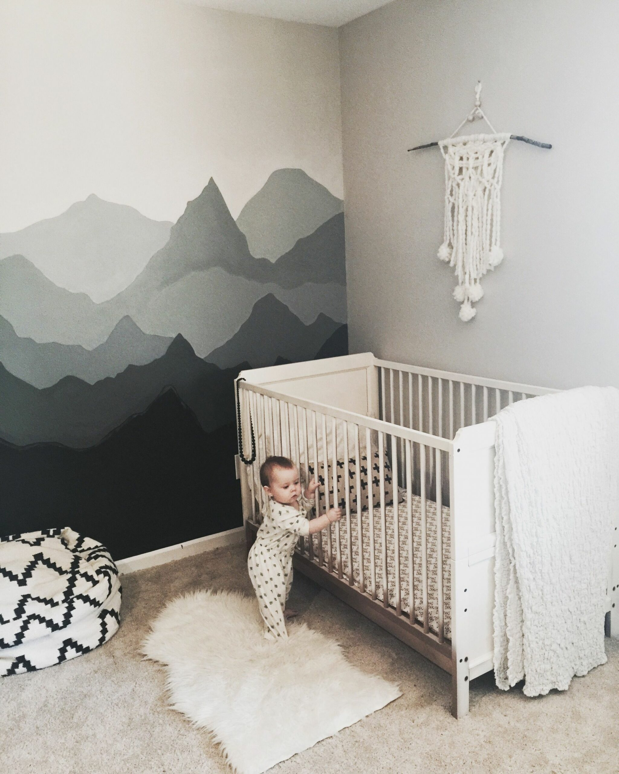 Perfect Mountain Nursery! Ombre Mountains! #diytutorial | Kinder ...