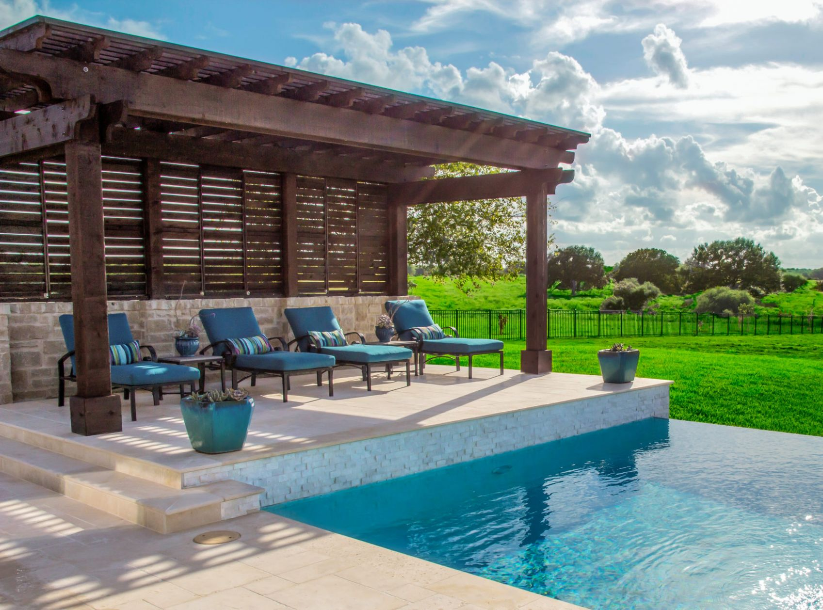 Pergolas vs Pavilions – What You Need to Know | Platinum Pools